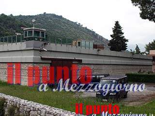 Zuffa tra detenuti in carcere a Cassino, ferito agente della Penitenziaria