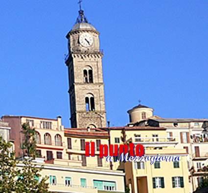 Operaio Ex Multiservizi minaccia di darsi fuoco in piazza a Frosinone