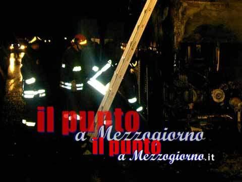 Incendio a Sant'Elia, palazzina evacuata, timori per una bimba di tre anni