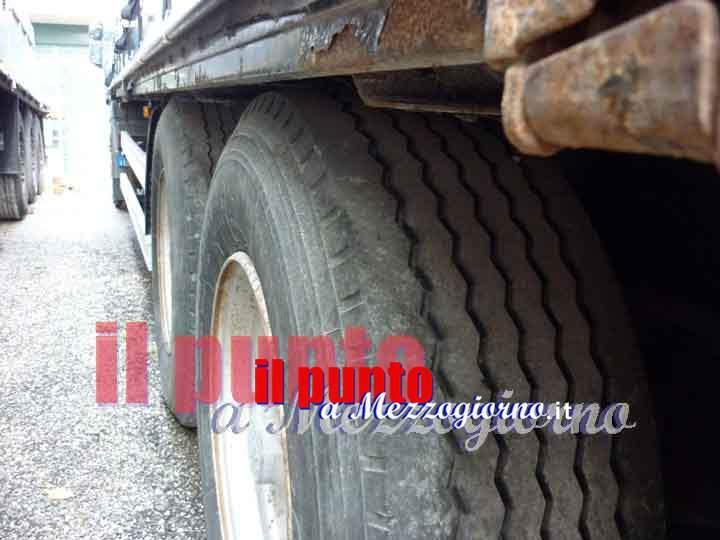 Incidente stradale nella zona induistriale di Ferentino. Camion esce di strada, 60enne perde la vita