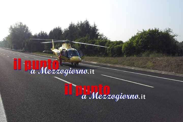 Incidente stradale, auto ribaltata sull'A1 a Frosinone. Bambino ferito