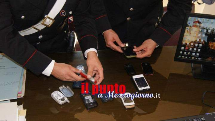 Vendeva cellulari on line, ma non arrivavano agli acquirenti, 25enne denunciato dai Carabinieri