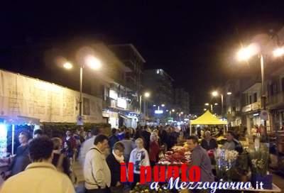 """Domani """"Mercatino dellartigianato di prodotti natalizi"""" in piazza Diamare e viale Dante"""