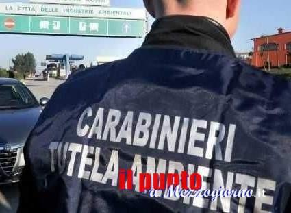 Depositavano rifiuti a cielo aperto, sanzionati dai Carabinieri due uomini