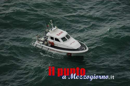 Disperso in mare peschereccio partito da Formia, imbarca tre uomini di equipaggio