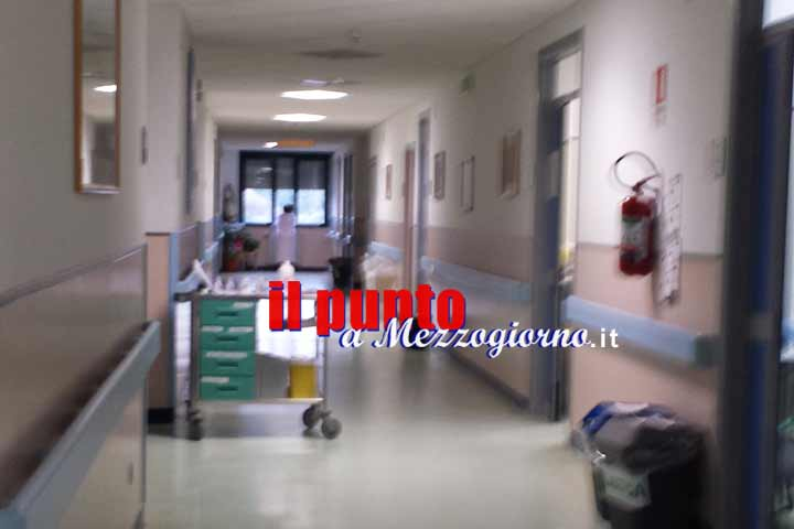 """""""Mano lunga"""" in ospedale a Cassino, addetta pulizie denunciata per furto aggravato"""