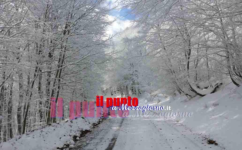 Allerta meteo nel Lazio, neve a quota 600 metri e vento vorte