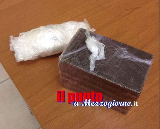 Undici chili di cocaina e 30 di hashish, corrieri e magazzinieri in manette. Sequestrati anche 30mila euro