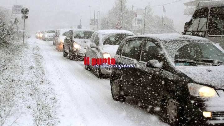 """Bufera di neve tra Sant'Elia a Pianisi e Ripabottoni, chiusa la strada statale 212 """"della Val Fortore"""""""