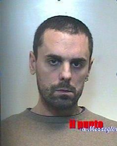 Gambizza avversario in amore, 31enne arrestato a Terracina