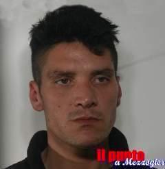 Arrestato dalla polizia 32enne per rapina e maltrattamenti in famiglia