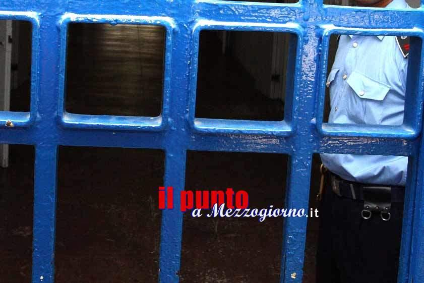 Frosinone: detenuto armato spara in carcere e ne ferisce altri tre