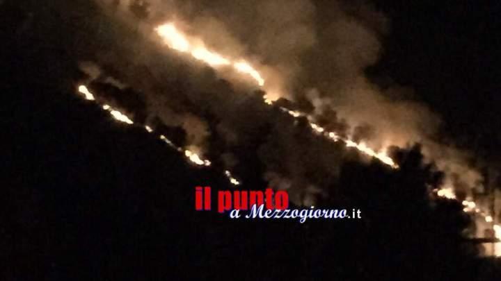 Ancora fiamme nel Cassinate, brucia la montagna a Villa Santa Lucia e Monte Trocchio a Cervaro