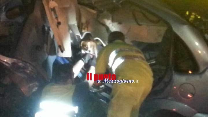 Tir invade la carreggiata opposta in A1, nella notte salvato anche un cagnolino