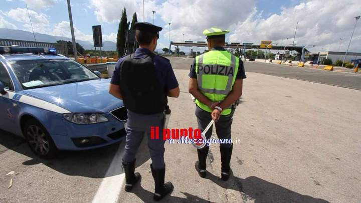 Con documenti falsi sull'A1 a Cassino, in due arrestati dalla polizia stradale