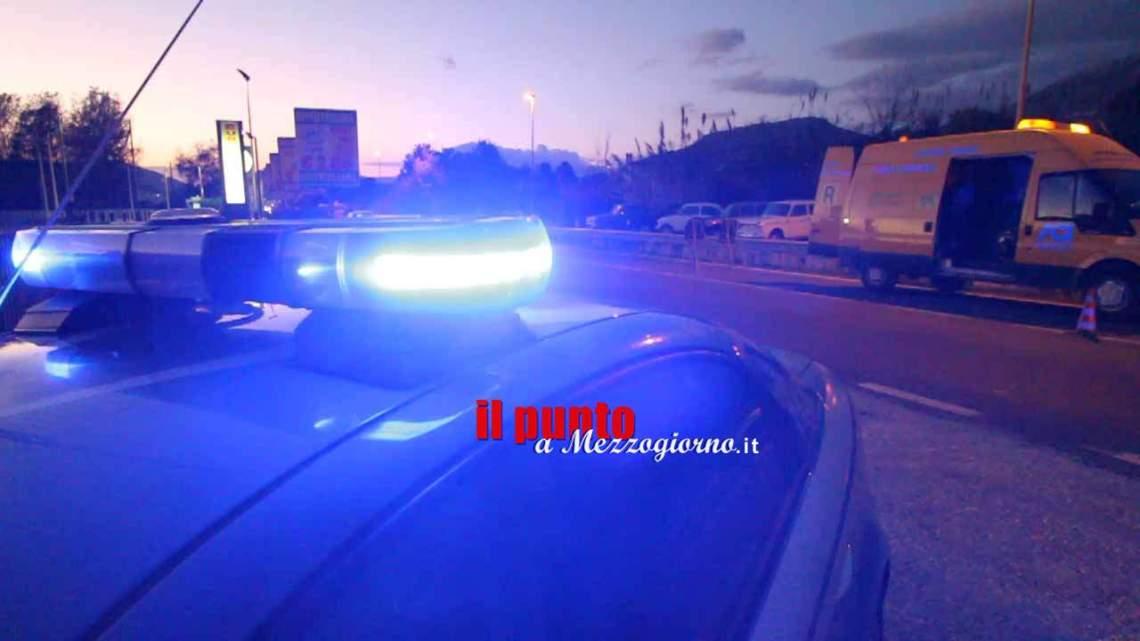Finto incidente stradale per truffare assicurazione, denunciati cinque ciociari