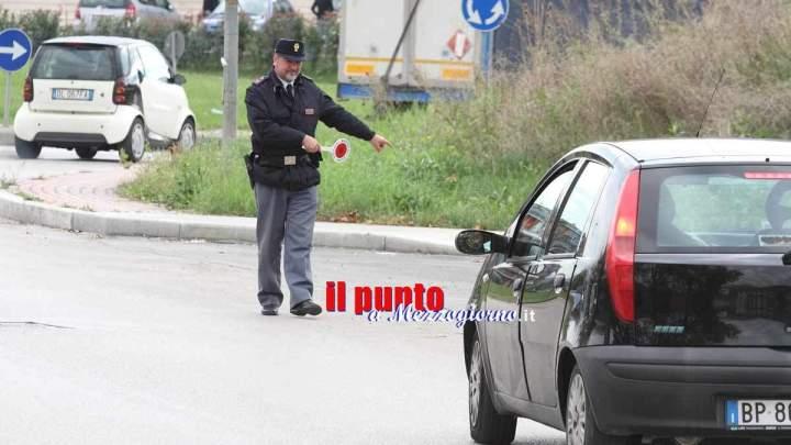 Automobilista a Cassino senza patente, assicurazione e revisione. Sequestro dell'auto e denuncia