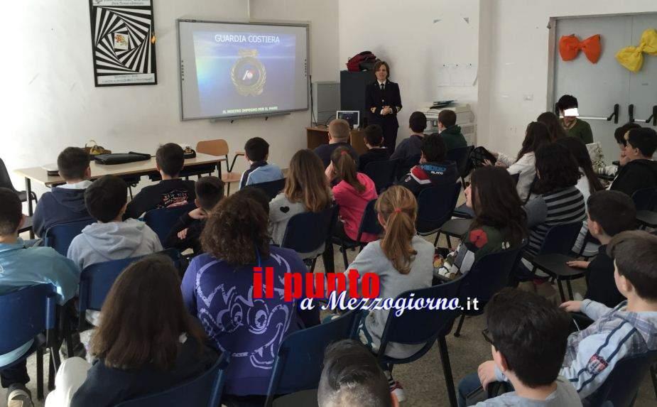 La Capitaneria di Porto di Gaeta insegna l'educazione civica marittima ai giovani