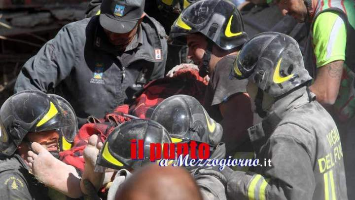 """Medaglia d'Oro al corpo dei Vigili del Fuoco, il Conapo: """"Continuiamo a ricevere medaglie ma non ci riconoscono i servizi operativi come gli altri corpi"""""""