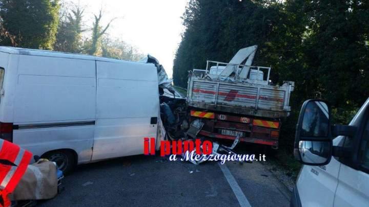 Incidente stradale sulla Cassino-Sora, uomini incastrati tra le lamiere