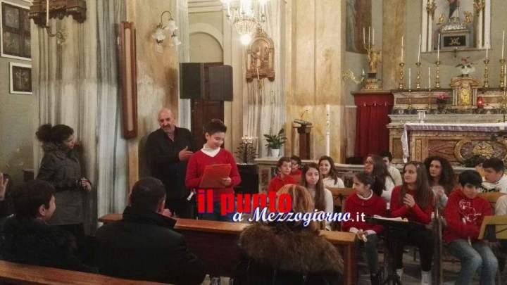 Nella chiesa di santa Maria Assunta di Gavignano il buon Natale degli alunni della Media Innocenzo III