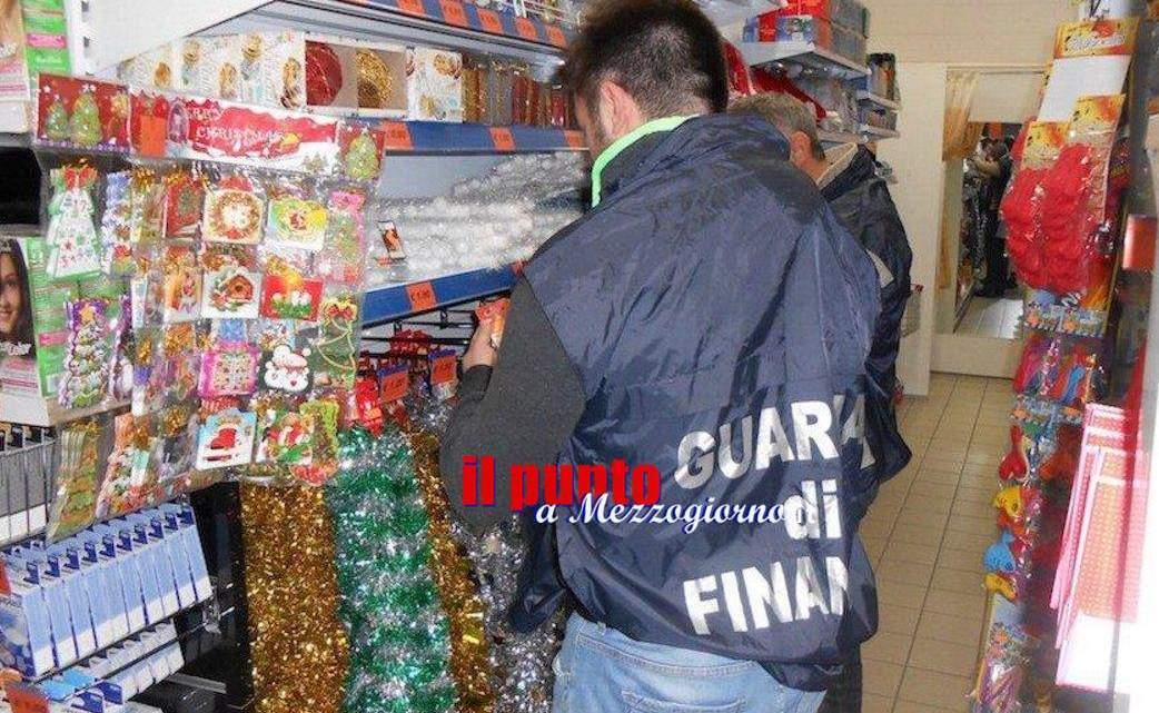 Botti di Capodanno e prodotti natalizi, maxi sequestro in un negozio a Cassino
