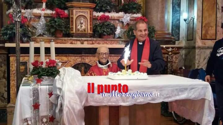 Monsignor de Sanctis sempre più parroco dei record, festeggiati i suoi 98 anni