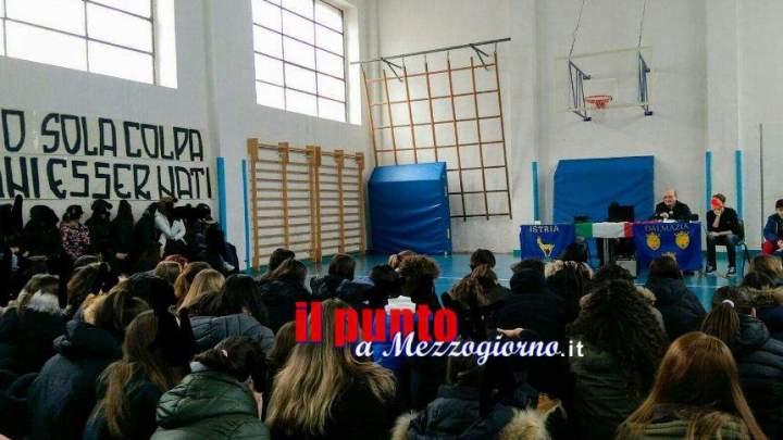 Incontro dibattito a scuola su Foibe interrotto insegnante, la Boldrini assicura chiarezza
