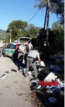 """Scoperte e bonificate alcune discariche abusive, la Polizia provinciale sanziona gli """"inquinatori"""""""