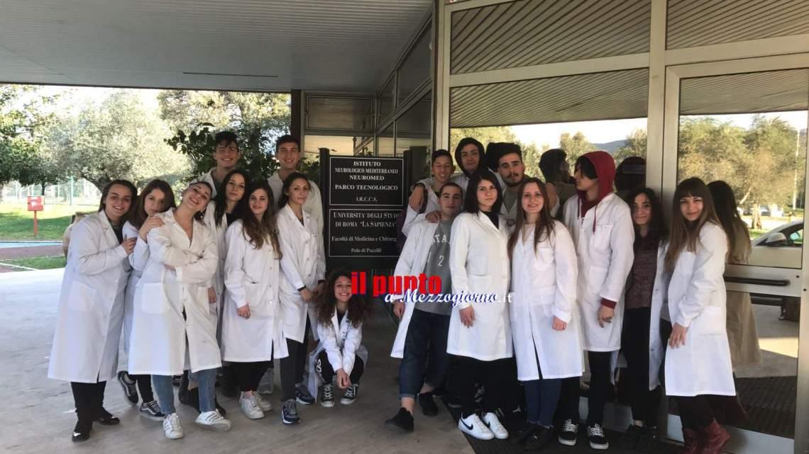 Studenti dell'Itis di Cassino ospiti presso l'istituto Neuromed di Pozzilli per il progetto Alternanza scuola lavoro. Tanto entusiasmo, ottimi risultati