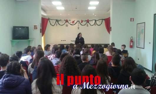 Cyberbullismo- A Vallecorsa, il Sostituto Commissario Tiziana Belli incontra gli alunni dell'istituto comprensivo