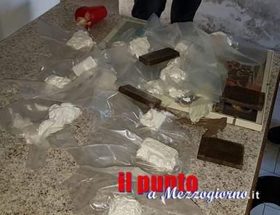 Cocaina sottovuoto, i carabinieri ne trovano 15 confezioni in un casale disabitato a Castel Volturno