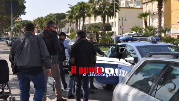 Cassino,lite fra commercianti, straniero rifiuta di fornire i documenti e si scaglia contro gli agenti, arrestato