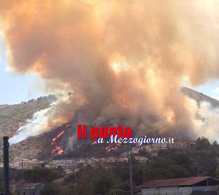Emergenza incendi, la Uil Vigili del fuoco chiede un tavolo di confronto