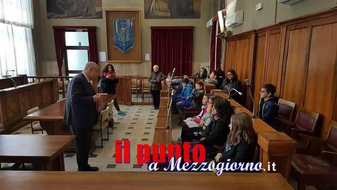 Tre Istituti Comprensivi in visita al Comune, ricevuti dal sindaco D'Alessandro