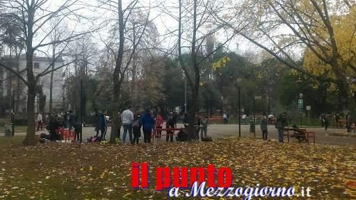 Giornata contro la violenza sulle donne con gli studenti alla villa comunale