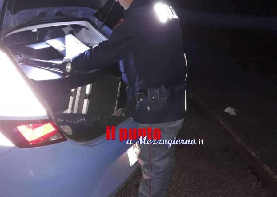 Frosinone, tentano di sfuggire ad un controllo di polizia speronandone l'auto, arrestato un rumeno