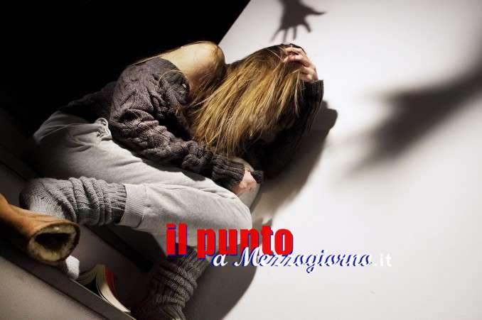 Gallinaro, picchiava 20enne e la costringeva a prostituirsi: denunciato 35enne