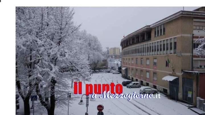 """Grande freddo, niente scuola a Frosinone. Il sindaco agli studenti: """"leggete"""""""