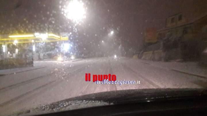 Grande freddo, primi disagi per neve: Montilepini bloccata da camion intraversati