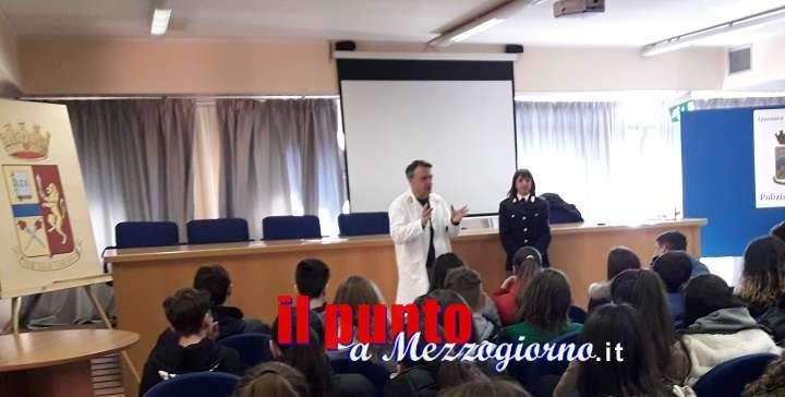 Educazione alla legalità : Porte della Questura ai giovani studenti dell'Istituto Comprensivo Frosinone 4