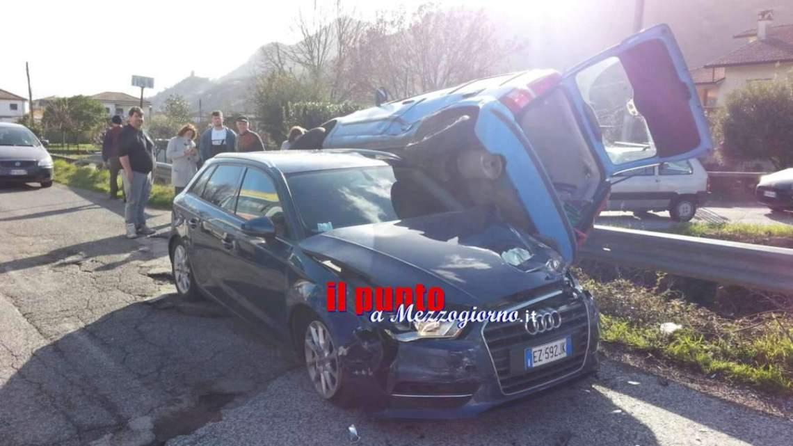 Incidente stradale in via Sferracavallo a Cassino, ferita mamma e figlio