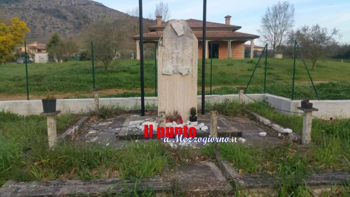 Monumento distrutto, il gruppo di estrema destra Rivolta Nazionale ne rivendica la distruzione