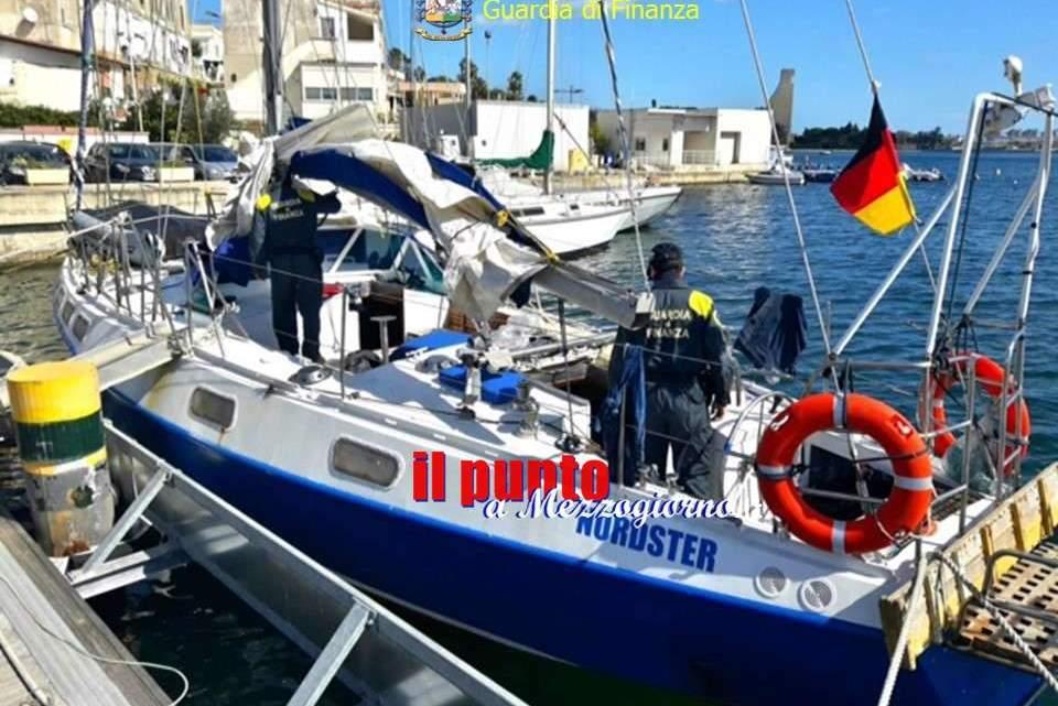 Intercettato a Brindisi veliero con 48 migranti, arrestati 3 scafisti