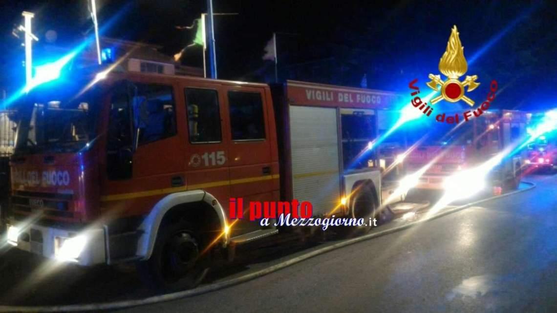 Rubano un'auto e si schiantano contro colonnina del gas, rischio esplosione a San Michele