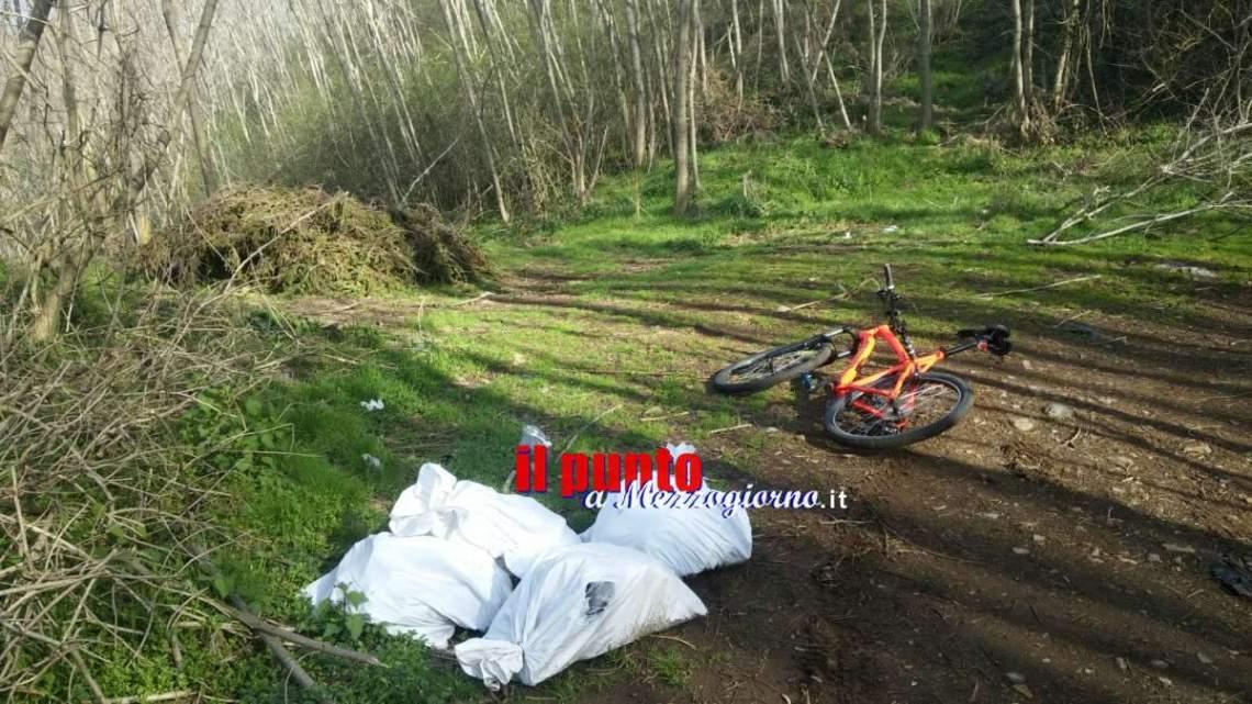 VIDEO – Sacchi di amianto e immondizie tra i boschi di Monte Artemisio