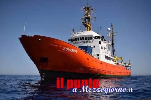 La cronaca della giornata – Salvini chiude i porti italiani ai migranti, la Spagna li apre… almeno per oggi