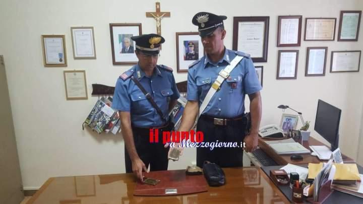 In taxi a comprar droga a Napoli, arrestati due Cassinati