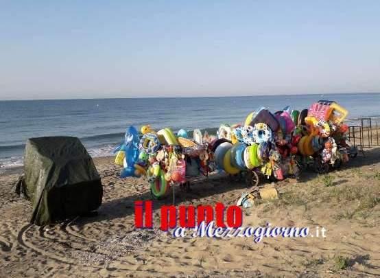 Commercio abusivo sulle spiagge pontine, sequestri e denunce
