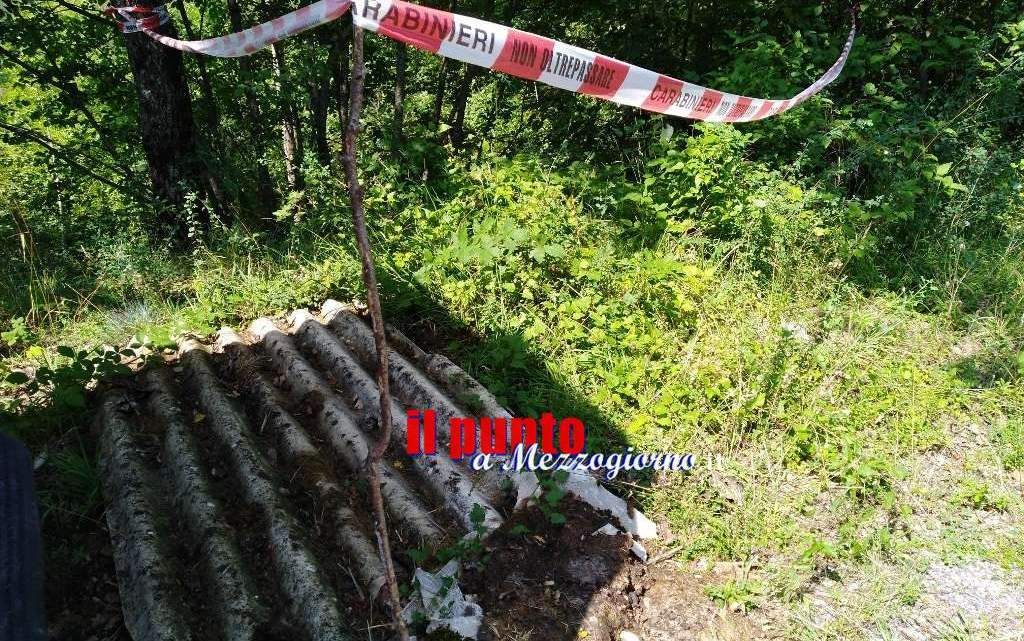 Mini discarica di amianto lungo la Provinciale per Fiuggi, intervengono i carabinieri
